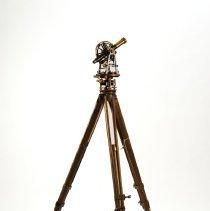 Image of 1990.005c - Tripod, Surveyor's
