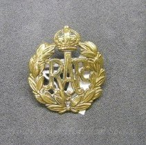 Image of 1932.0052.01 - Badge, Cap