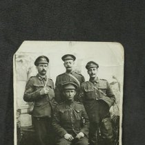 Image of 2008.0006.19 - Photograph of soldiers