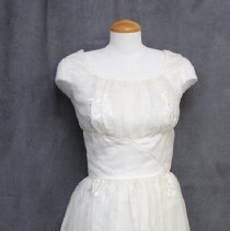 Image of 1980.0077.01 - Dress
