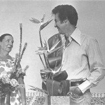 Image of Flower Arranging - Gibbs, Christopher