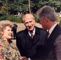 Image of President Clinton with Brattons - Unknown
