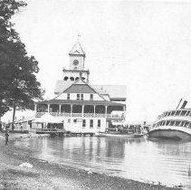 "Image of ""City of Cincinnati"" Listing to Starboard - Seelé, Don"
