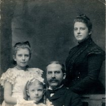 Image of Portrait of Ira Miller family -
