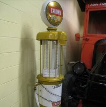 Image of Pump, Gasoline - 1999.04.3.2