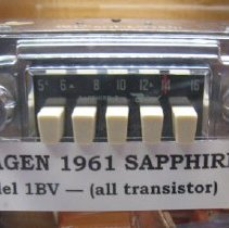 Image of car radio - 2007.3.79