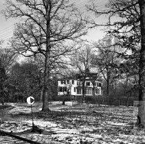 Image of House along railroad tracks