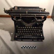 Image of Underwood Typewriter Front
