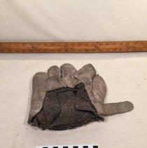 Image of Glove, Baseball - T1239.3