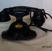 Image of Telephone - 2017.22.04