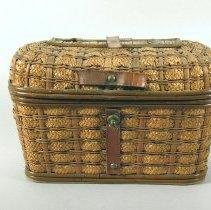 Image of Basket - Basket/Pocketbook