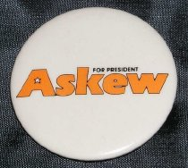 Image of 2006.012.522 - Button, Campaign