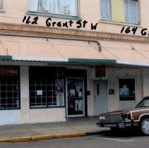 Image of 162 and 164 W Grant Street in 2005