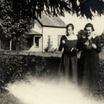 Image of Anne and Margaret 1919 - 2015FIC365