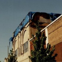 Image of Salad building at 345 Front showing earthquake damage