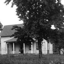 Image of Hall, B.F. home on Boones Ferry Road - 2015FIC1133