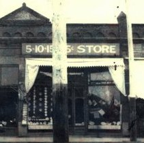 Image of Cochran Building 1913- 5,10,15,25 Cent Store  - 2015FIC926