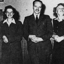 Image of First Nat. Bank 1944 Phyillis Rose, Virgi McClure, Dean Bishoprick, Marge Haugenauer, Mable Smith - 2015FIC1535