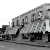 Image of Front Street 400 block about 1960. Pickering's Dry Goods Store - 2015FIC1584