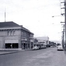 Image of Front Street looking north from Arthur Street 1950s - 2015FIC1599