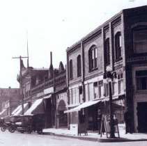 Image of Front Street south from 400 block abt. 1913 - 2015FIC1634