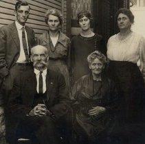 Image of Hart, Bill and Matt and family - 2016FIC2055