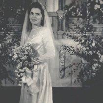 Image of Kahut, Clara Marie, Mrs. marvin Klang - 2016FIC2492