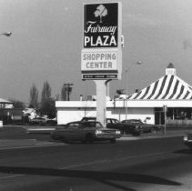 Image of Kentucky Fried Chicken Fairway Plaza abt. 1968, 1979 and 2004 - 2016FIC2591