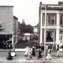 Image of Front Street Parade abt. 1909 - 2016FIC2723