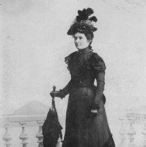 Image of Noyes, Ida Jacobson Dressmaker - 2016FIC3086