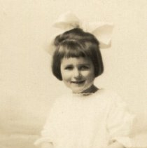 Image of Schifferen, Helen Mildren abt. 3 years old - 2016FIC3526