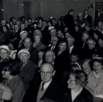 Image of Unidentified crowd in a hall in the 1950s - 2016FIC4025