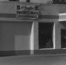 Image of Hi Neighbor Grocery 111 Front Street in 1979 - 2016FIC3338