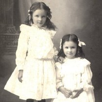 Image of Slinger, Fay and Millie abt. 1902 - 2016FIC4695
