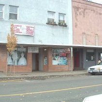 Image of 575-585 Front Street The Bridal Shop and The Travel Company  - 2017FIC4925