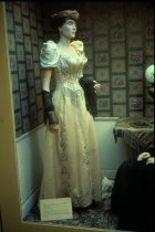 Image of RG4121.AM.S5.F169.Hall.St.Wedding.Mannequin2, NSHS Archives