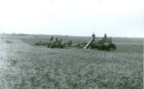 Image of RG4121.AM.S5.F142.Thrashing.Stats.Kansas.State.H.S.Harvesting.at.John.Thiel