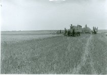 Image of RG4121.AM.S5.F142.Thrashing.Stats.Kansas.State.H.S.Jos.Wire.harvesting.07.0