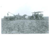 Image of RG4121.AM.S5.F142.Thrashing.Stats.S.Dakota.State.H.S.Avery.Manufacturing, N