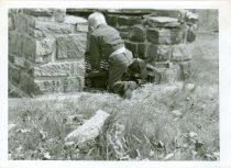 Image of RG4121.AM.S6.F5 JOHNSON & JOHNSON BACKYARD AD 7