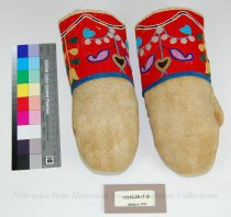 Image of 11310-25-(1-2) - Mittens, Pair; Leather; Red Wool; Beaded; Floral