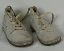 Image of 11640-485-(1-2) - Shoe, Baby, White with Laces
