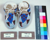 Image of 11986-1-(1) - Child's Beaded Moccasins from the Rosebud Reservation ca. 1910