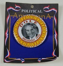 Image of 13120-57 - Button, Political, Bob Dole,  Dole President 1996, with Photo