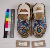 Image of 268-20-(1-2) - Moccasins, Plain Style, Floral, Separate Sole
