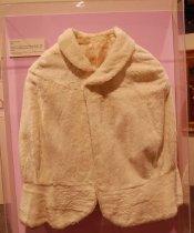 Image of 3560-2681 - Cape, White, Rabbit Fur