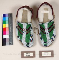 Image of 7274-1-(1-2) - Moccasins, Sioux, Buffalo Tracks