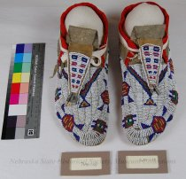 Image of 7694-1-(1-2) - Moccasins, Leather, Beaded