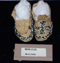 Image of 8046-2-(1-2) - Moccasins, Baby; Leather; Multicolored beads