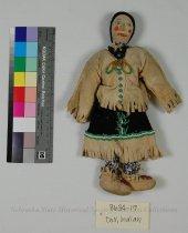 Image of 8634-19 - Doll, Indian, Lady; Cloth, Leather, Felt